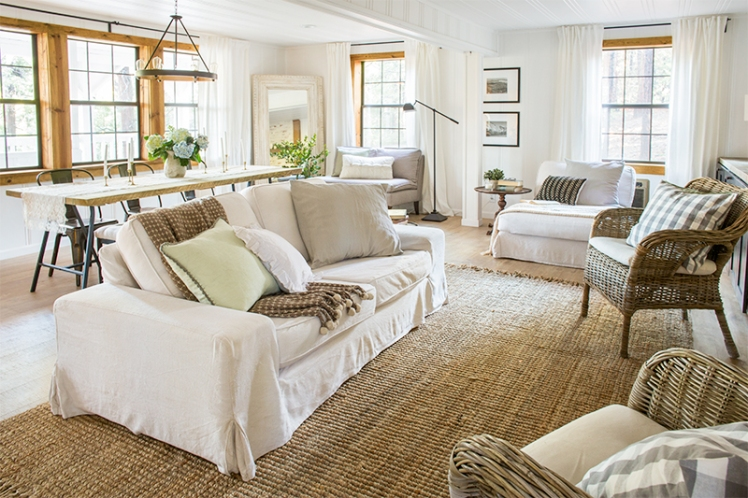 Neutral casual cottage living room by Jenna Sue Design